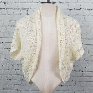 Sweaters - 💎 Cream crocheted shrug